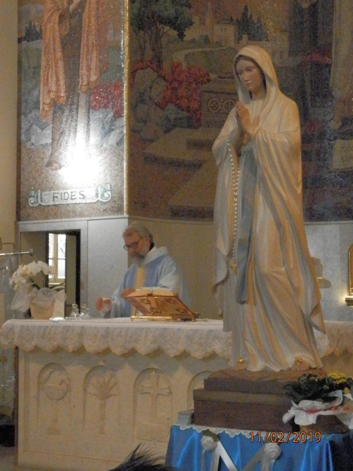 Processione per la Madonna di Lourdes
